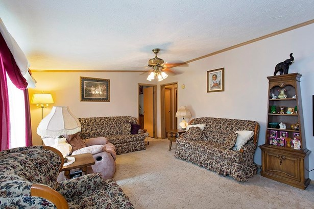 Single Family Residence, Ranch - Clay Twp, OH (photo 4)