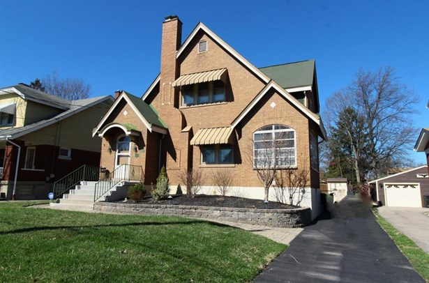 Single Family Residence, Craftsman/Bungalow - Cheviot, OH (photo 1)