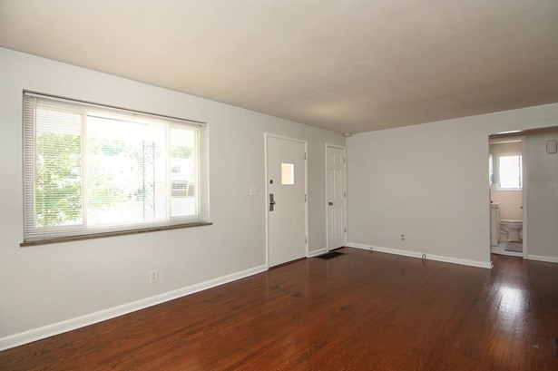 Cape Cod, Single Family Residence - Reading, OH (photo 4)