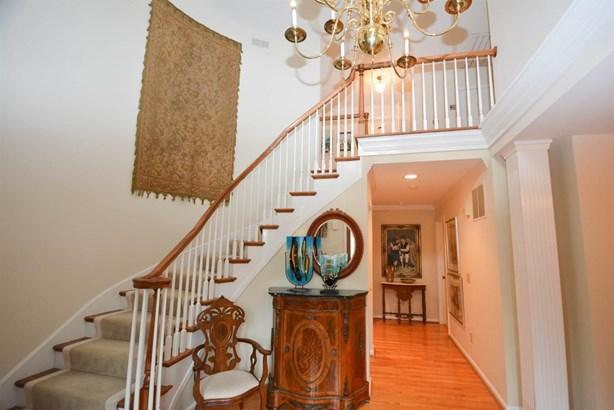 Single Family Residence, Colonial - Hamilton Twp, OH (photo 2)