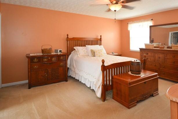 Single Family Residence, Traditional - Trenton, OH (photo 4)