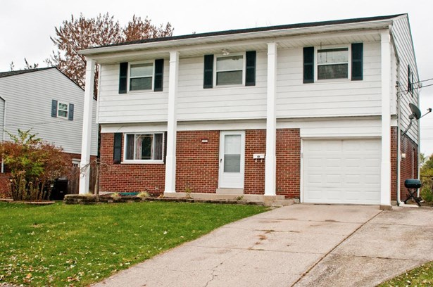 Single Family Residence, Colonial - Colerain Twp, OH (photo 2)