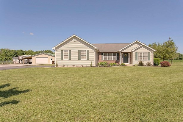 Ranch,Traditional, Single Family Residence - Bethel, OH (photo 1)