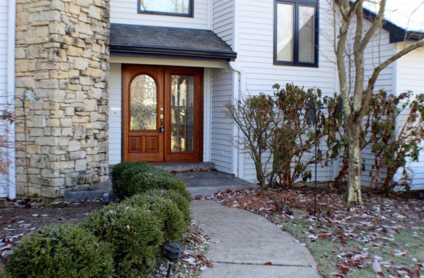 Transitional, Single Family Residence - Evendale, OH (photo 2)