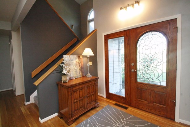 Transitional, Single Family Residence - Evendale, OH (photo 3)