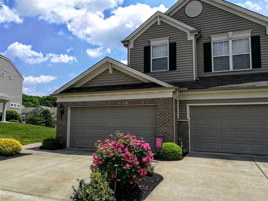 Condominium,Single Family Attached, Traditional - Cold Spring, KY