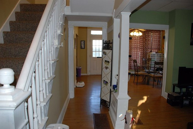 Single Family Residence, Traditional - Williamsburg, OH (photo 4)