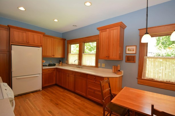 Cape Cod, Single Family Residence - Milford, OH (photo 5)