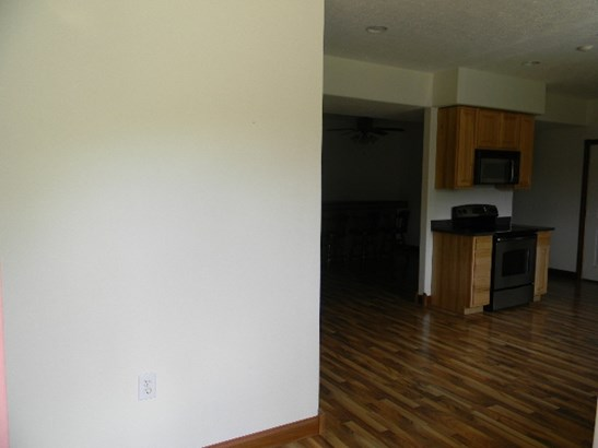 Transitional, Single Family,Single Family Detached - Highland Heights, KY (photo 3)