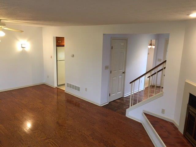 Condominium, Traditional,Transitional - Springdale, OH (photo 4)