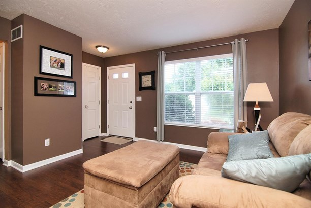 Single Family Residence, Traditional - Amelia, OH (photo 3)
