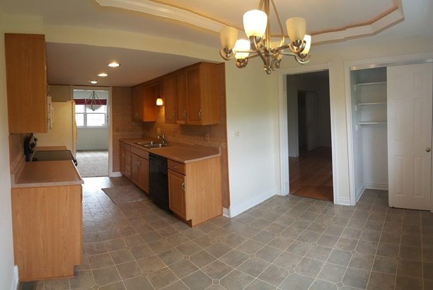Condominium, Contemporary/Modern - Springdale, OH (photo 5)