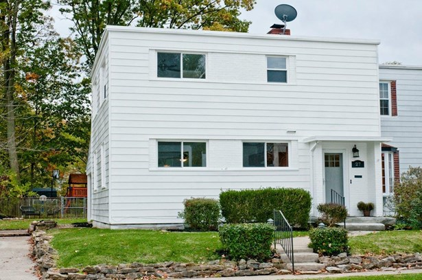 Single Family Residence, Traditional - Greenhills, OH (photo 1)