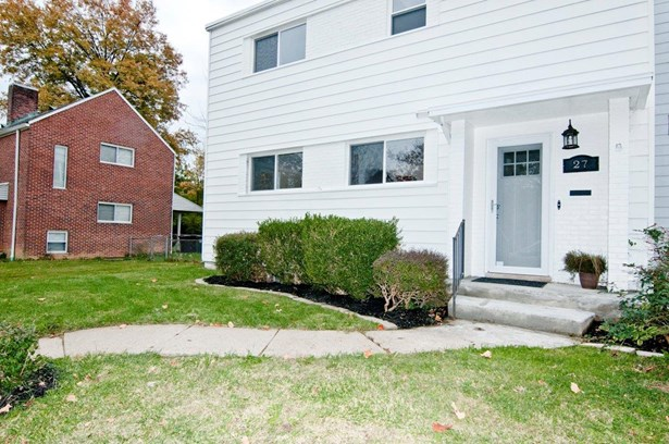 Single Family Residence, Traditional - Greenhills, OH (photo 2)