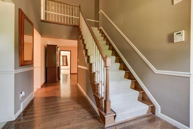 Cape Cod, Single Family Residence - Fairfield, OH (photo 2)