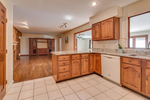 Cape Cod, Single Family Residence - Fairfield, OH (photo 5)