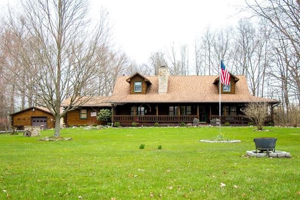 Single Family Residence, Log - Goshen Twp, OH (photo 1)