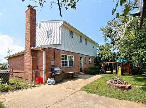 Single Family Residence, Traditional - Green Twp, OH (photo 4)