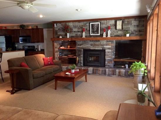 Single Family Residence, Ranch - Harlan Twp, OH (photo 3)