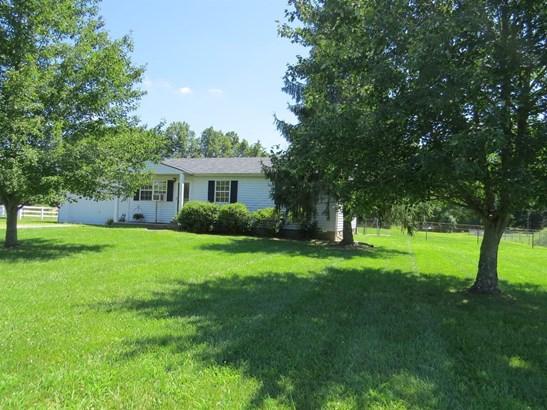 Single Family Residence, Ranch - Wayne Twp, OH (photo 1)