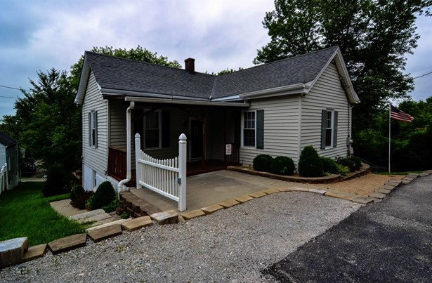 Single Family Residence, Ranch - Cleves, OH (photo 1)
