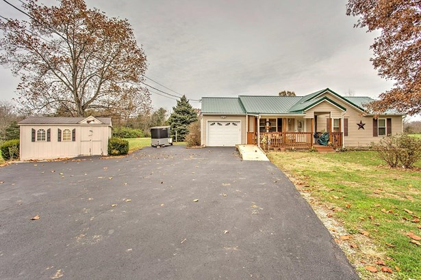 Ranch,Traditional, Single Family Residence - Tate Twp, OH (photo 1)