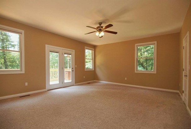 Transitional, Single Family Residence - Williamsburg Twp, OH (photo 4)