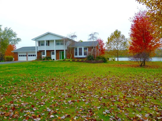 Single Family Residence, Traditional - Huntington Twp, OH (photo 1)