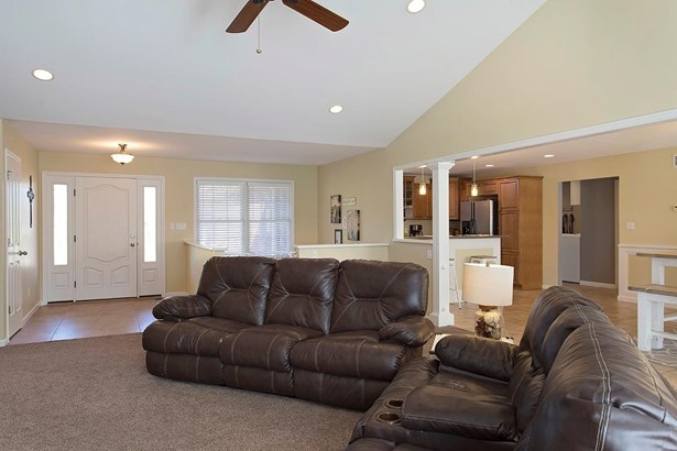 Single Family Residence, Ranch - Monroe Twp, OH (photo 5)