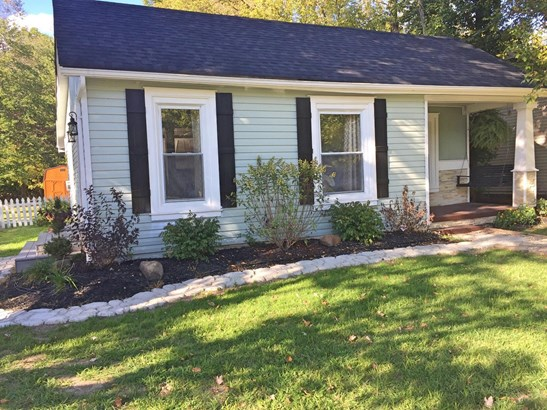 Single Family Residence, Traditional,Ranch - Newtonsville, OH (photo 1)