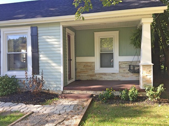 Single Family Residence, Traditional,Ranch - Newtonsville, OH (photo 2)