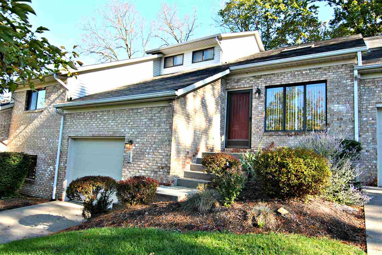 Townhouse,Single Family Attached, Traditional - Fort Thomas, KY (photo 1)