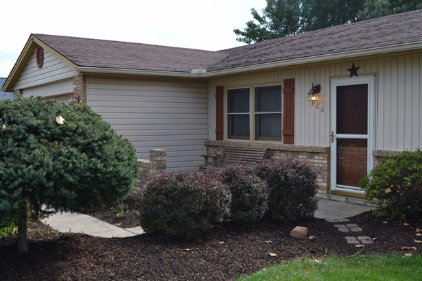 Single Family Residence, Traditional,Ranch - Carlisle, OH (photo 2)
