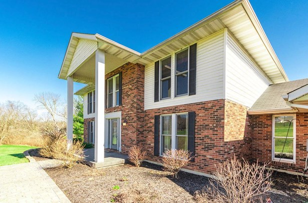 Single Family Residence, Traditional - Hamilton, OH (photo 2)