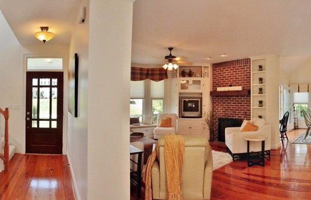 Single Family Residence, Traditional - Pierce Twp, OH (photo 4)