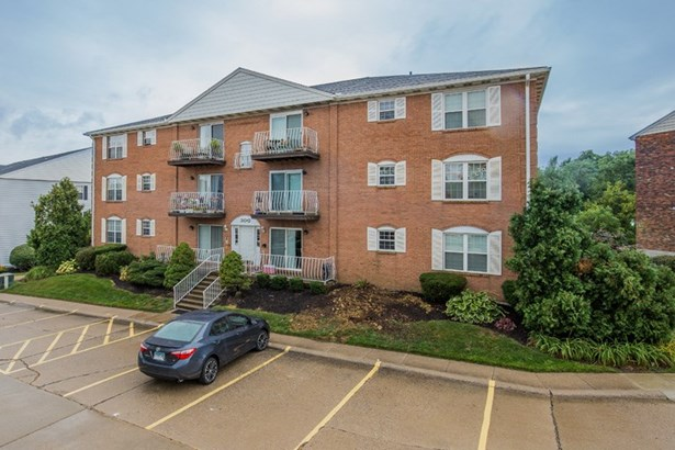 Condominium,Single Family Attached, Traditional - Highland Heights, KY (photo 1)