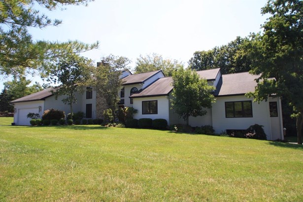 Transitional, Single Family Residence - Evendale, OH (photo 1)