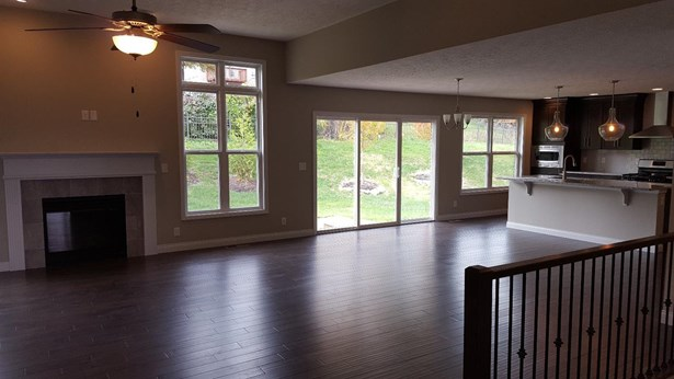 Single Family Residence, Ranch - Fairfield, OH (photo 4)
