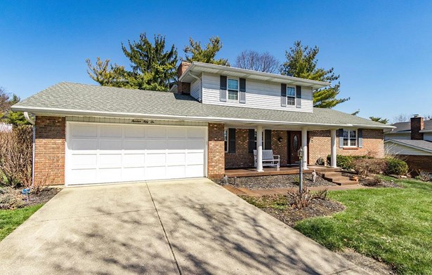 Transitional, Single Family Residence - Fairfield, OH (photo 2)