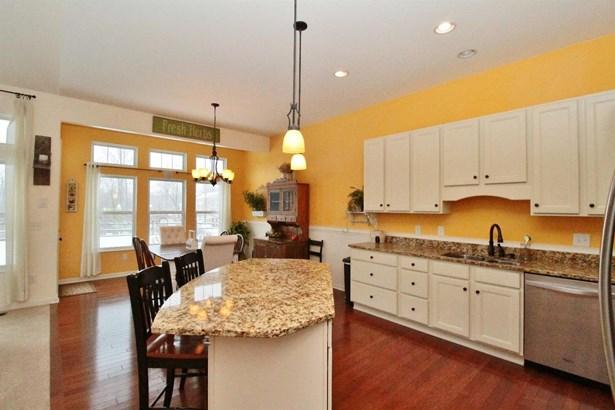 Transitional, Single Family Residence - Batavia Twp, OH (photo 4)