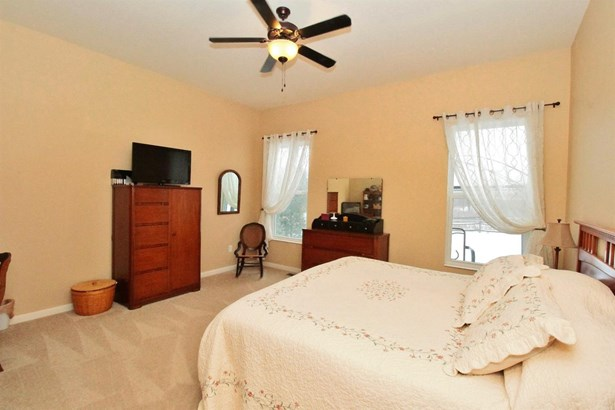 Transitional, Single Family Residence - Batavia Twp, OH (photo 5)