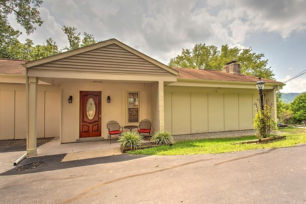 Ranch,Traditional, Single Family Residence - Union Twp, OH (photo 1)