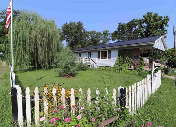 Ranch, Single Family,Single Family Detached - Augusta, KY