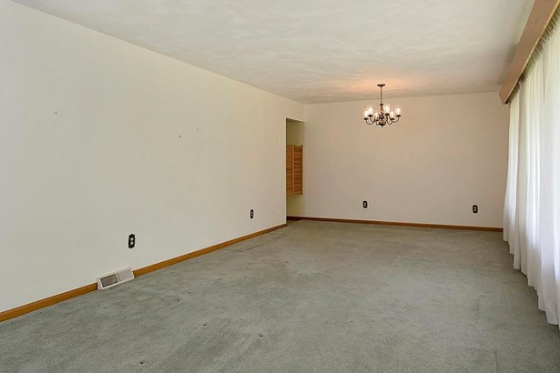 Ranch,Traditional, Single Family Residence - Mt Orab, OH (photo 3)