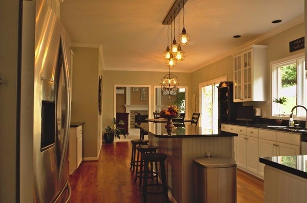 Single Family Residence, Traditional - Newtown, OH (photo 4)