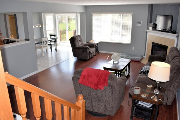 Single Family Residence, Traditional - Batavia Twp, OH (photo 2)