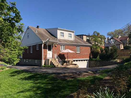 Cape Cod, Single Family Residence - Columbia Twp, OH (photo 5)