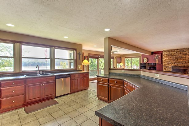 Single Family Residence, Traditional,Ranch - Union Twp, OH (photo 4)