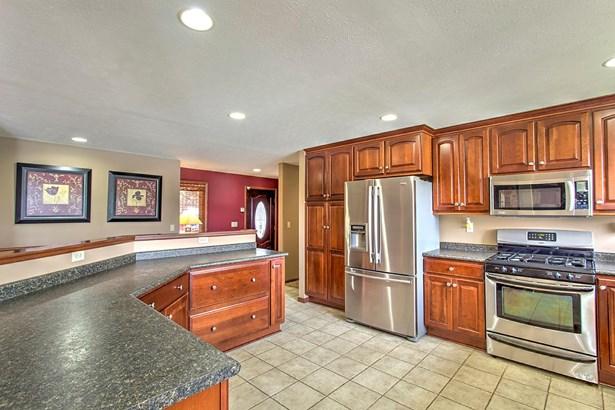 Single Family Residence, Traditional,Ranch - Union Twp, OH (photo 5)