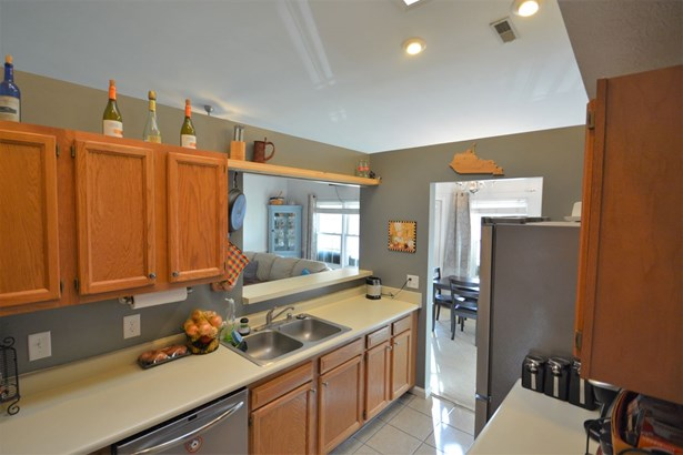 Condominium,Single Family Attached, Traditional - Highland Heights, KY (photo 3)